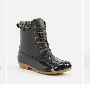 Evi Duck Boots